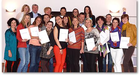 Lichtblick Trainer-Ausbildung Gruppenfoto mit Zertifikaten